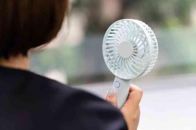 安い,携帯扇風機,ハンディファン,首掛け扇風機,ハンズフリー,手持ち扇風機,卓上扇風機,クリップ式扇風機,コスパ最強,熱中症対策,暑さ対策,
